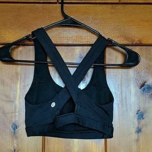 Lululemon black sports bra size 2